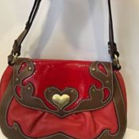 de243cb3ea3 moschino Bags | Cheap And Chic Red Leather Heart Purse | Poshmark